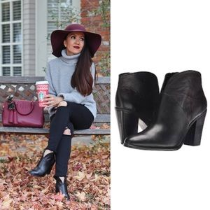 VINCE CAMUTO Franell Black Western Booties